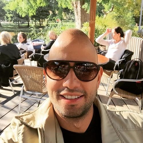 Eduardo Correa's avatar