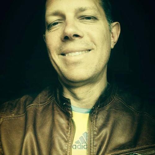 Lance Peterson's avatar