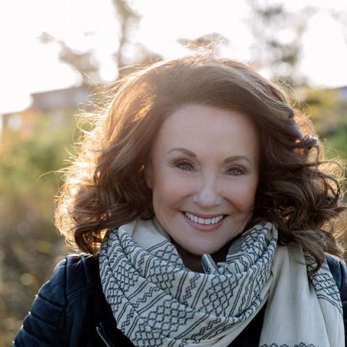 Lynne Hammond's avatar