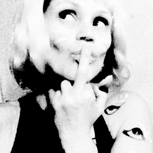 LucieJ DreamEscapes's avatar