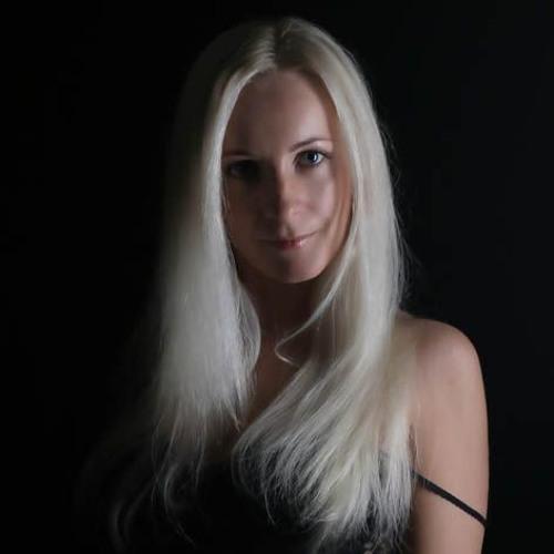 Lili Soleil's avatar