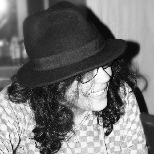 Bahar Royaee's avatar