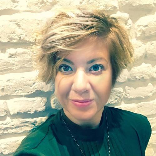 Julianna Markus's avatar