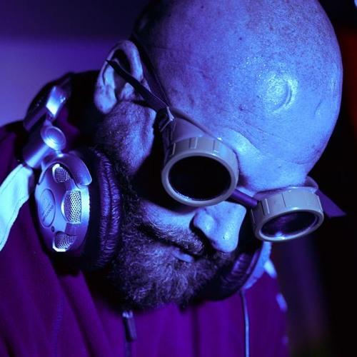 DJ 8-Bit Mullet's avatar
