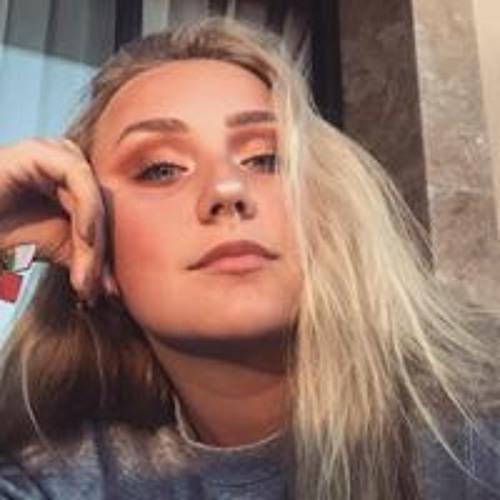 Molly Carter's avatar
