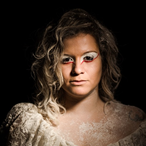 YlanaQueiroga's avatar