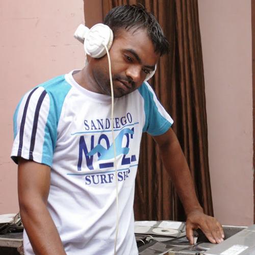 SUMIT DJ's avatar