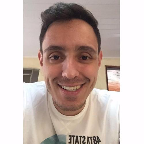 Lucas Mello's avatar