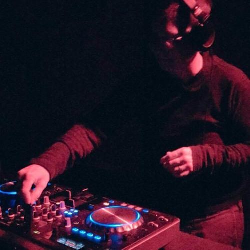 DJ LUV-le's avatar