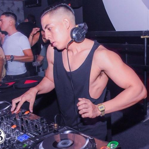Alejandro Hdz's avatar