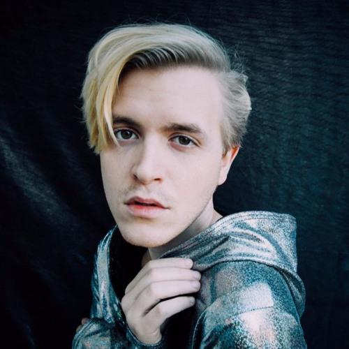 Delorean Gray's avatar