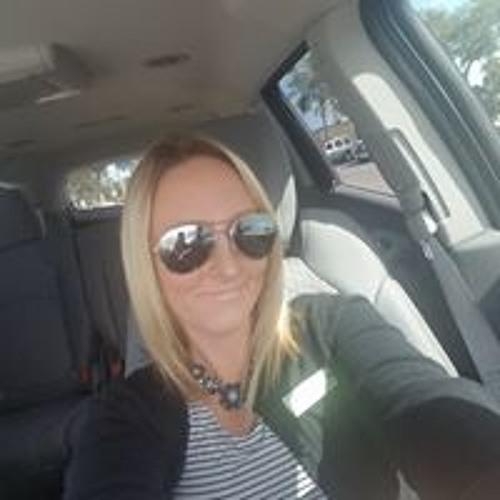 April Knoll's avatar