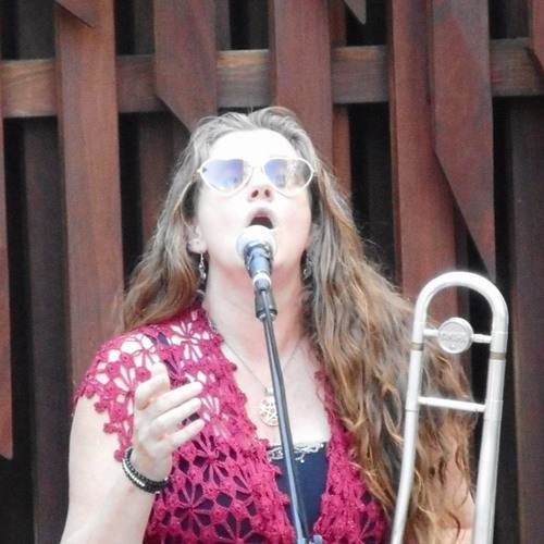 'Trombone Kellie''s avatar