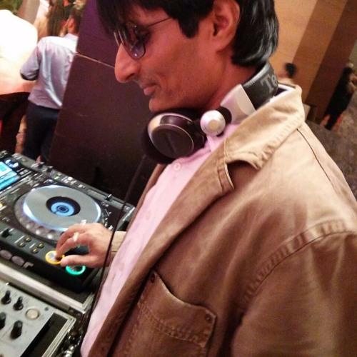 DJ YATIN's avatar