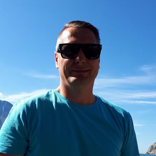 Marcin Janik's avatar