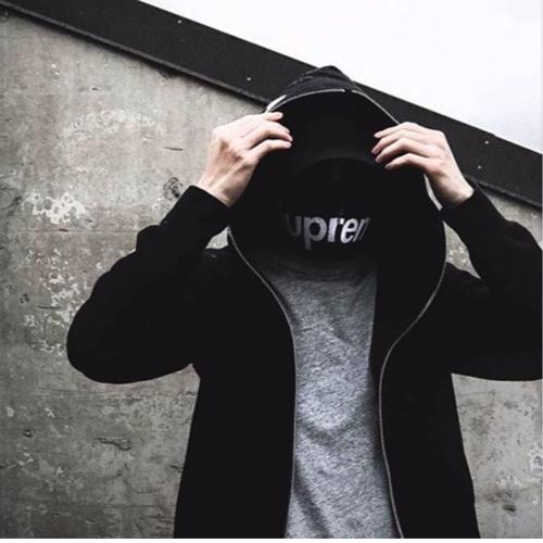 Low_Key Mello✌️'s avatar