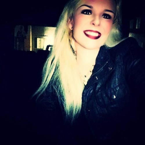 Courtney Paige's avatar