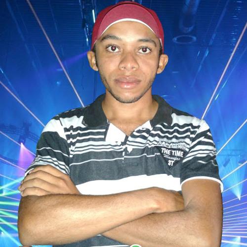 Luiz Carlos's avatar