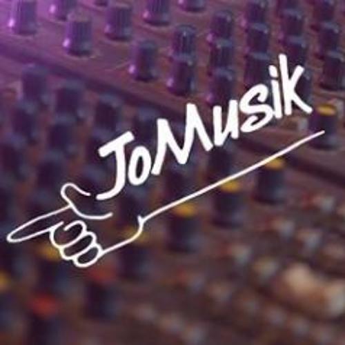 String Session at JOMUSIK