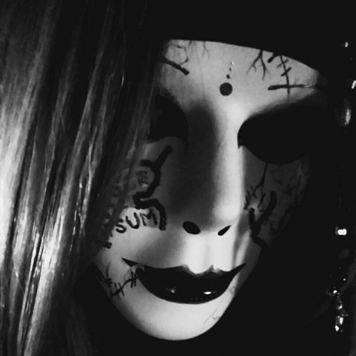 Slavaja Tunes's avatar