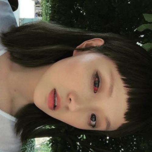 Jenna :)'s avatar
