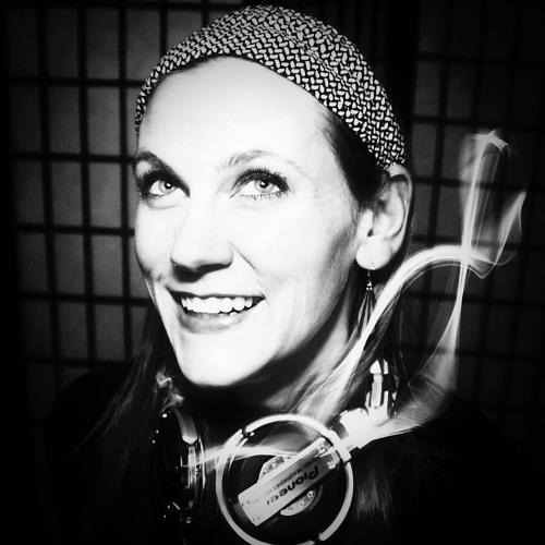 DJ Emily's avatar