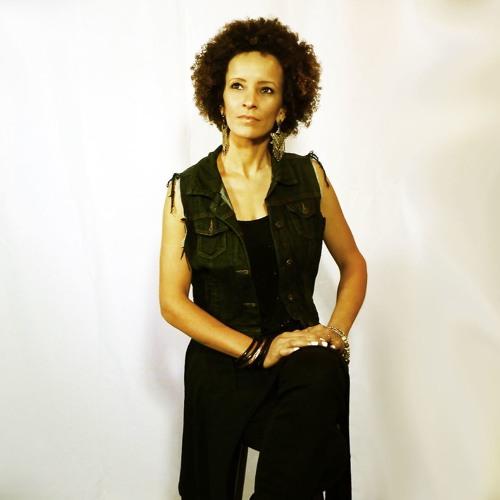 Luciana Reys's avatar