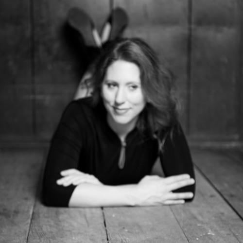 Sarah Lutz's avatar