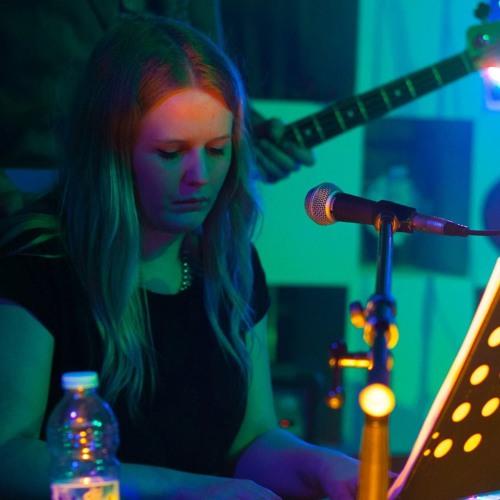 Lindsay Wright's avatar
