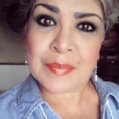 Lupita Molina de Hoyos