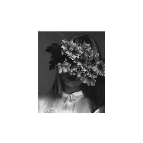「 ROHΔN 」's avatar