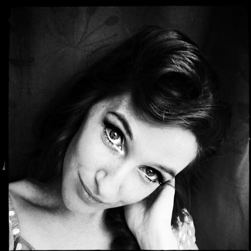 Erika Simons's avatar