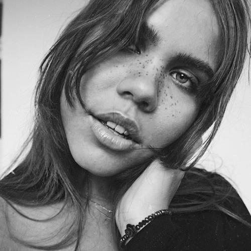 Izzy-Carmelia Rose's avatar