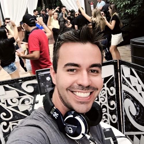 Felipe Garcia's avatar