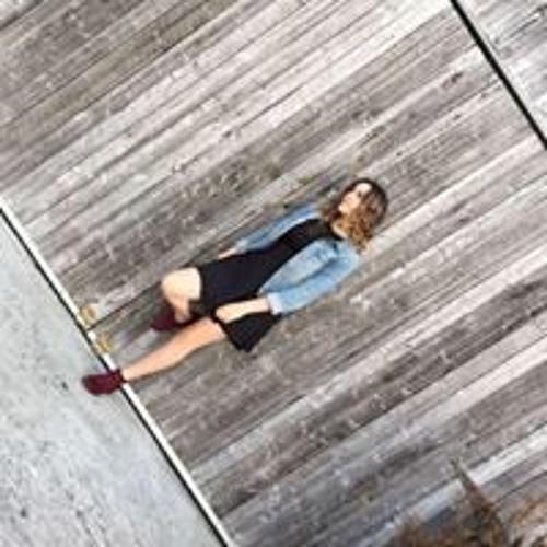 Chloé Charest's avatar