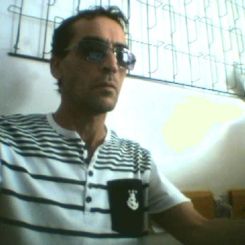 Bensalah Messaoud's avatar