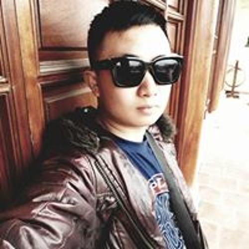 Minh Tú's avatar
