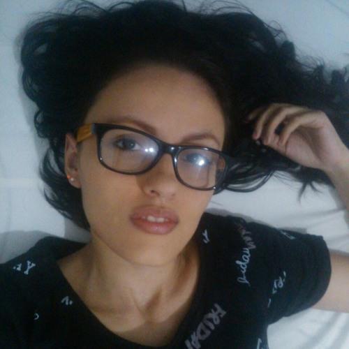 Angelique Raven's avatar
