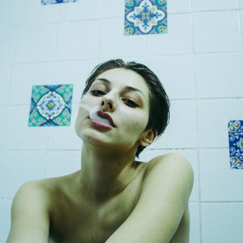 Raluca Deb's avatar