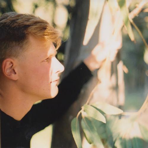 Casey Hemingway's avatar