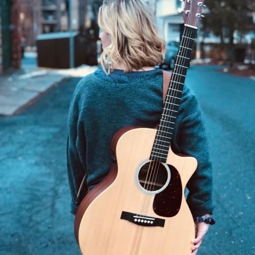 Claudia Lynn's avatar