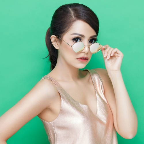 DJ Yasmin's avatar