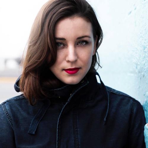 Robyn Dell'Unto's avatar