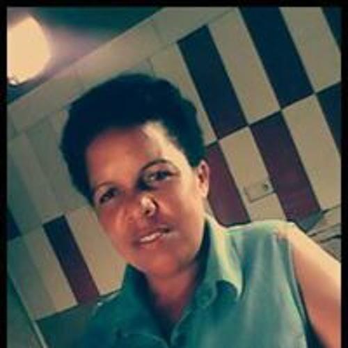 Firosa Momad Gafuro's avatar