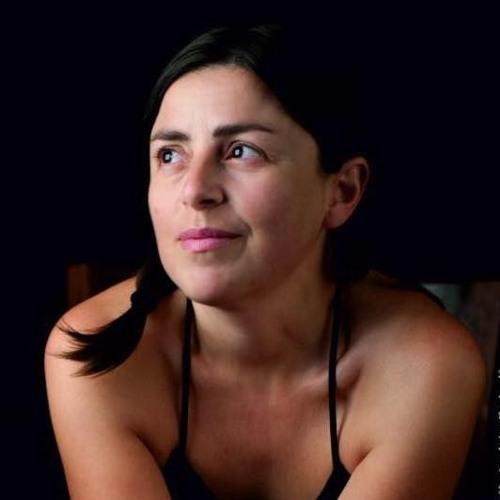 claudia crabuzza's avatar