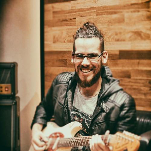Carlos Romero's avatar