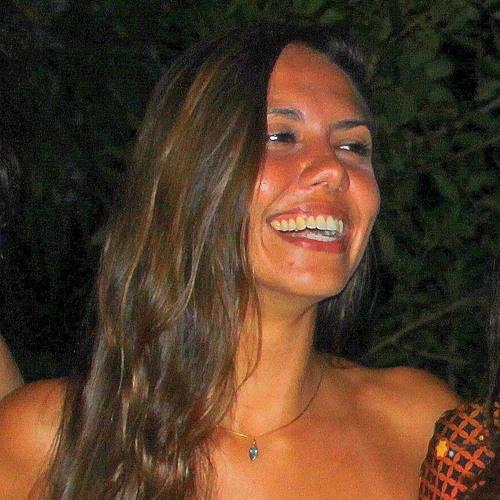 Carla Pinheiro's avatar