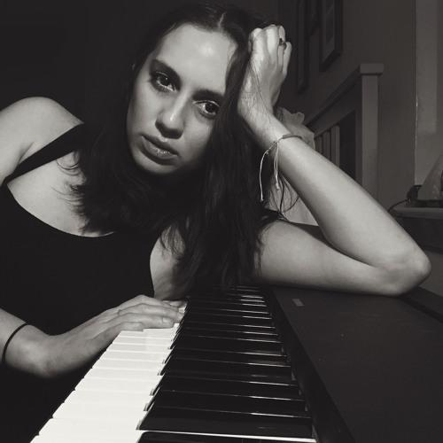Paula May's avatar