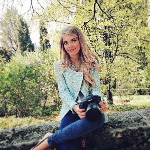Holly Fry's avatar