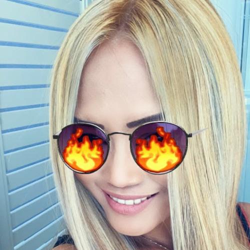 Mary m's avatar